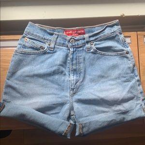 Women's Levi shorts .. worn but good condition